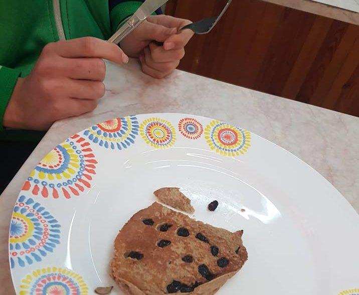 Healthy Snacks – Oat and Banana Pancakes